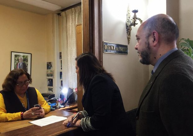 abogados solicitan su prohibición a la Intendencia Metropolitana