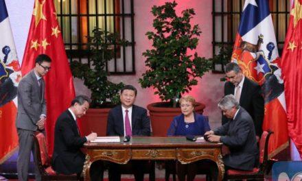 """Andrés Solimano: """"Los presidentes no deben firmar acuerdos que beneficien a privados"""""""
