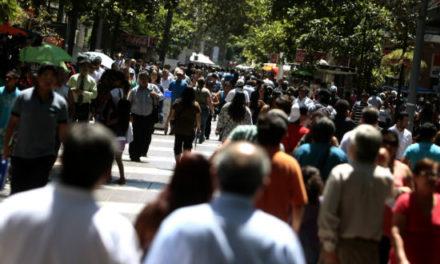 Expertos prevén desfavorable escenario económico para Chile en 2017