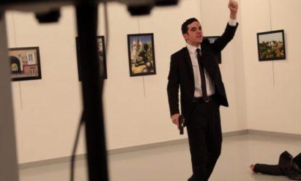 Embajador de Rusia en Turquía es asesinado a tiros