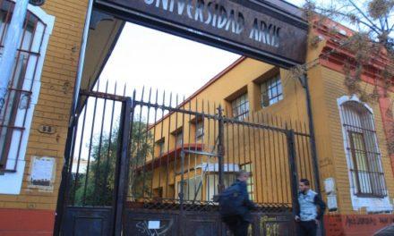 Universidad de Chile estudia convenio para traspaso de estudiantes de Arcis