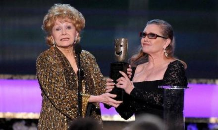 Murió Debbie Reynolds, madre de Carrie Fisher