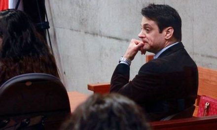 Gaspar Rivas es declarado culpable de injurias contra Andrónico Luksic