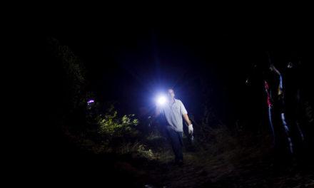 """Brigadistas denuncian ataque incendiario en San José de Maipo: """"Se escabulleron en la oscuridad mientras provocaban el fuego"""""""