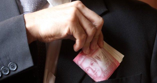 Percepción de corrupción: Expertos piden incluir probidad en nueva Constitución