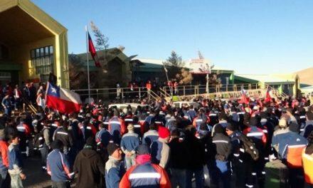 Trabajadores de Minera Escondida rechazan oferta y votan la huelga