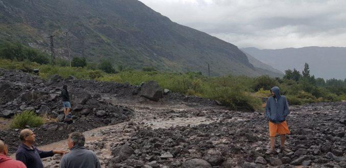 Más de mil damnificados deja aluvión en Cajón del Maipo