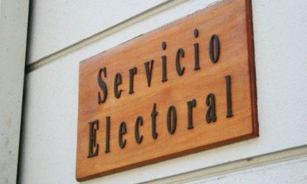 """Experto electoral: """"El Servel está cambiando las reglas de refichaje a mitad de camino"""""""