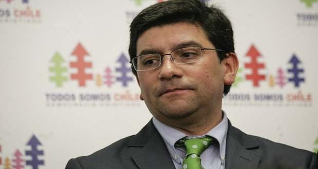 En medio de polémica por Dominga, Badenier sale del ministerio de Medio Ambiente