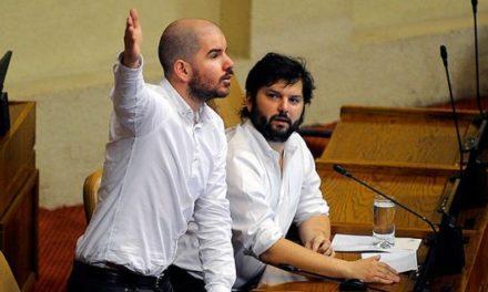 """El debate en torno al proyecto de ley feminista """"8M"""""""
