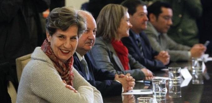 Nueva Mayoría exige a Piñera que transparente sus negocios