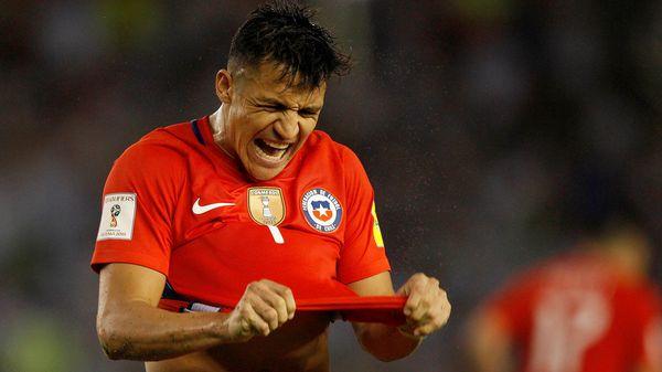 Alexis Sánchez fue multado por conducir a alta velocidad en Chile