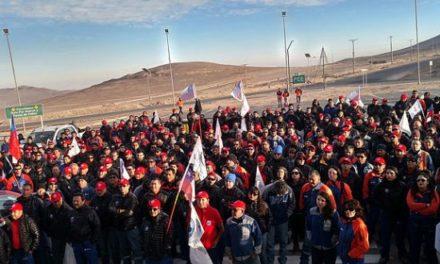 Sindicato de Escondida extiende contrato y pone fin huelga
