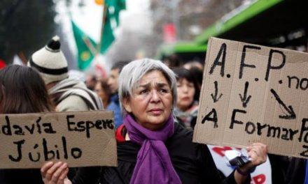 """Cenda: """"Las AFP se quedan con 1 de cada 4 pesos cotizados en un mes"""""""