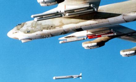 EEUU lanza decenas de misiles contra una base aérea en Siria en respuesta al ataque químico en territorio rebelde