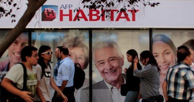 """Luis Mesina: """"Las ganancias de las AFPs son una burla"""""""