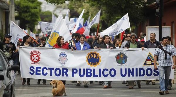 Sector público inicia discusión por reajuste con advertencias para el Gobierno