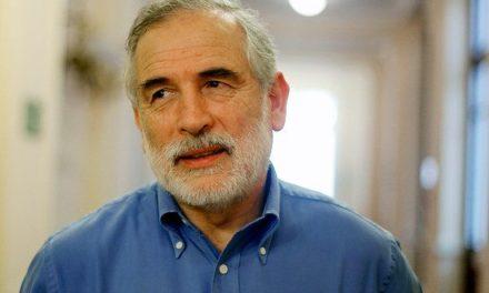 """Carlos Montes acusa """"error histórico"""" en falta de candidato del PS"""