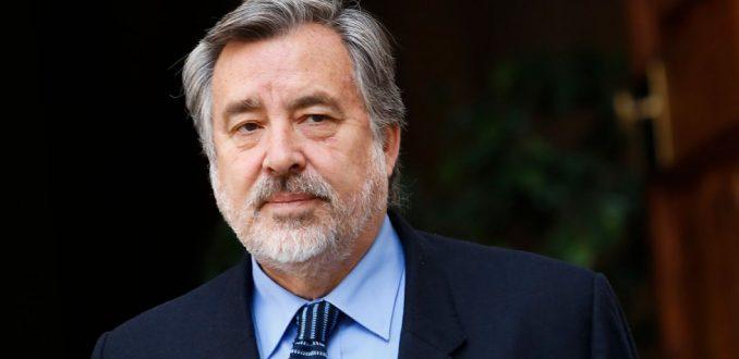 """Partidos presionan a Guillier por figuras """"clave"""" en comando"""