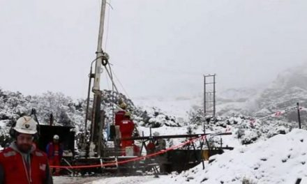 Alcalde de Chile Chico asegura que labores de búsqueda de mineros no se detendrán