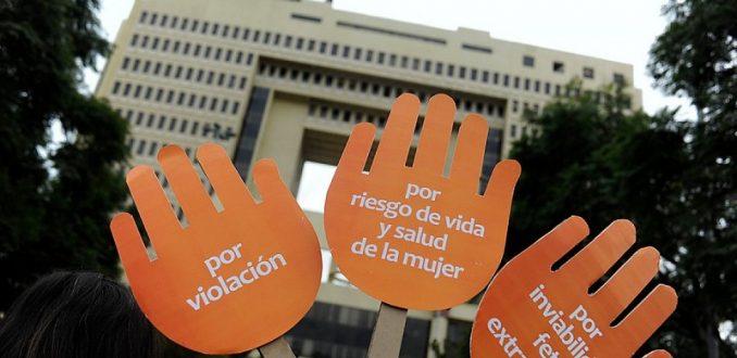Senado aprueba tres causales de proyecto que despenaliza el aborto