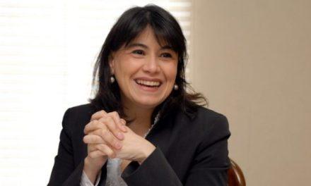 ¿Santos en la corte? Las transversales redes que blindan a Javiera Blanco