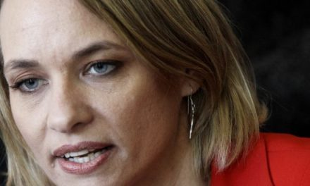 DC dividida ante definición presidencial de Carolina Goic
