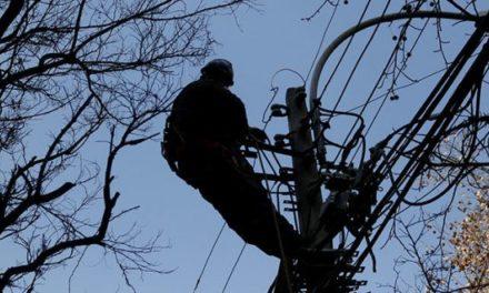 Trabajadores del sector eléctrico culpan a ENEL por tener subcontratados todos los servicios de mantención