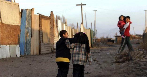 Estudio de Fundación SOL revela que pobreza en Chile duplica a las cifras oficiales