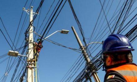 Trabajadores de ENEL denuncian que empresa redujo personal y costos de mantenimiento preventivo