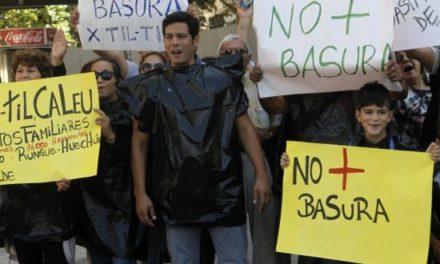 """Vecinos de Til Til por relleno sanitario: """"Es una nueva vulneración de derechos"""""""