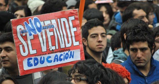"""Estudiantes secundarios: """"No queremos un pacto que deje más débil esta reforma"""""""