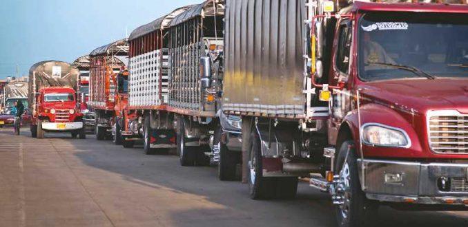 Gobierno cede ante camioneros y pone urgencia a Ley Antiterrorista