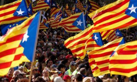 Fiscalía española se querella contra ex líderes de gobierno catalán por rebelión y sedición