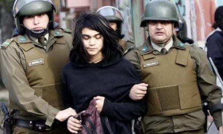 Control preventivo de identidad a adolescentes sortea su primera valla en el Congreso