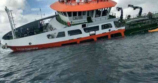 """La """"bomba de tiempo"""" que ronda en Chiloé por hundimiento de barco salmonero"""