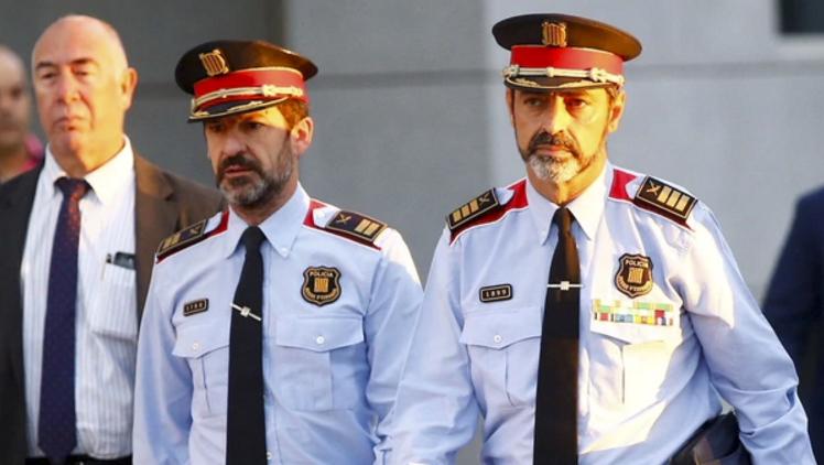 """La jefatura de la policía catalana pidió """"neutralidad"""" a sus agentes"""