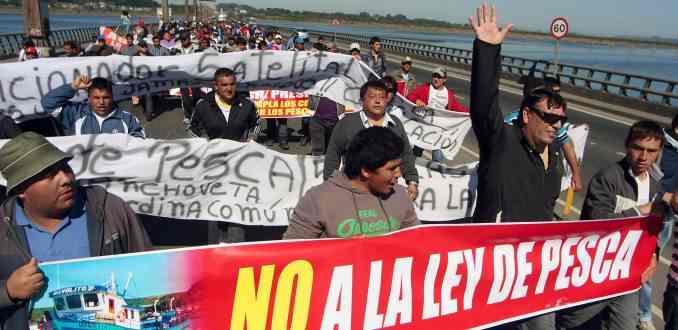 Pescadores presentan demanda contra el Estado por daños ocasionados por la Ley de Pesca