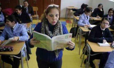 Jóvenes chilenos presentan bajo conocimiento cívico