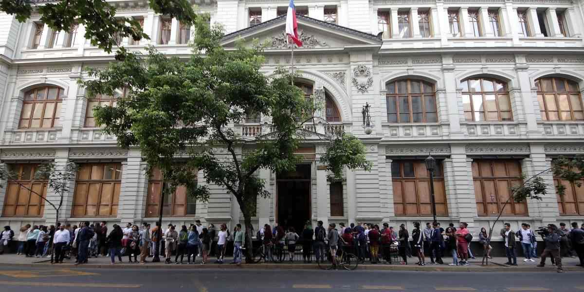 PSU 2017: más de la mitad de los 295 mil postulantes no tendrá un cupo en universidades del sistema de admisión