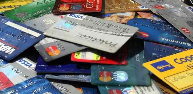 Perfil de deudores en Chile: los jóvenes y la tercera edad los más morosos del sistema