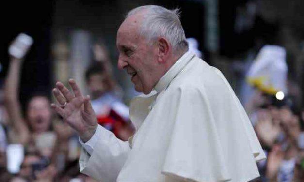 """Papa Francisco defiende a obispo Barros: """"No hay una sola prueba en contra, todo es calumnia"""""""