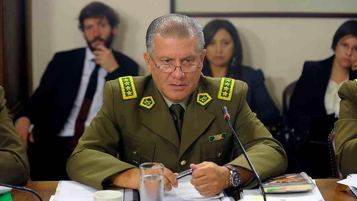 General Villalobos llama a retiro a tres oficiales de La Araucanía