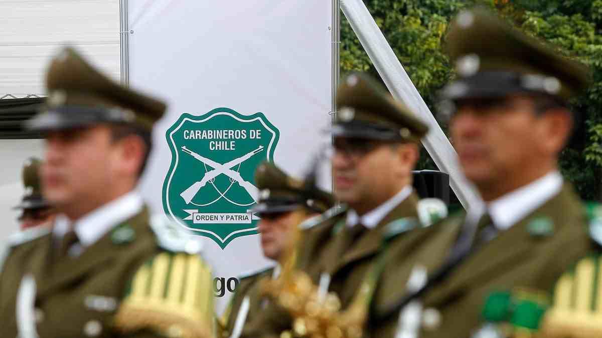 """Alejandra Mohor: """"Se debe modificar el apego militar de Carabineros"""""""