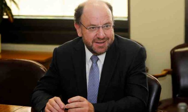 Ministro Moreno anuncia reformulación de financiamiento a Sename