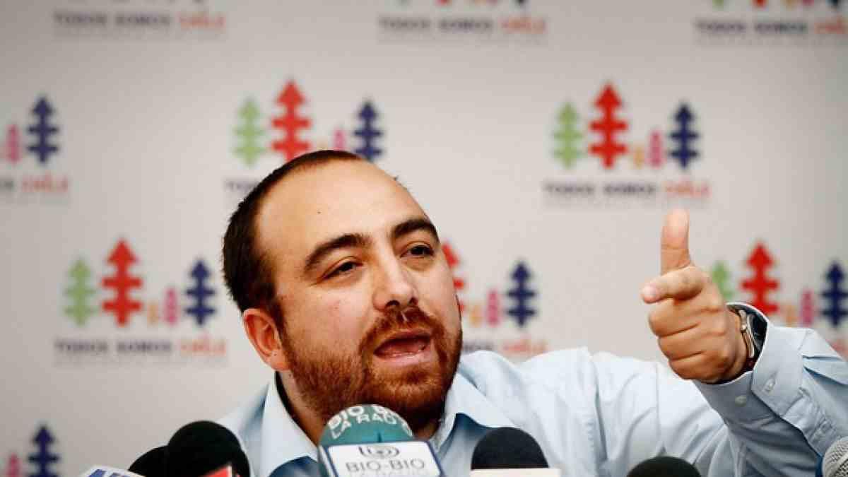 Fuad Chahín asume como presidente de la DC