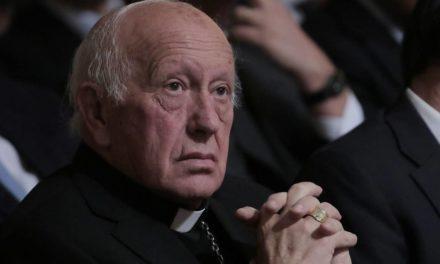 Senadores piden revocar nacionalidad otorgada por gracia a Ezzati
