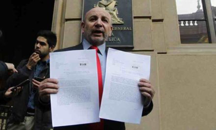 Diputados de oposición piden auditoría por conflicto de interés de Santelices