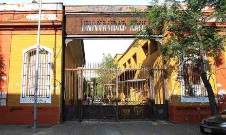 Estudiantes de posgrado de la U. Arcis acusan problemas para su reubicación