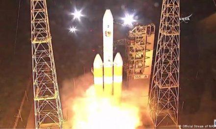"""Despega exitosamente la Sonda Espacial Parker cuya misión será """"tocar el Sol"""""""